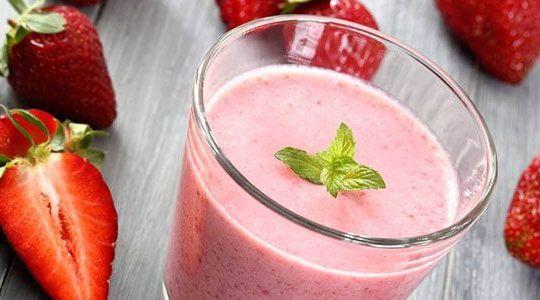 fruit-smoothies-strawberry_O